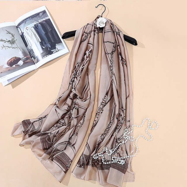 Top Quality Luxury Brand New Europe Style Horse Carriage Chain Women Silk Scarf Elegant Shawl Autumn Warm Sunscreen Soft Scarves