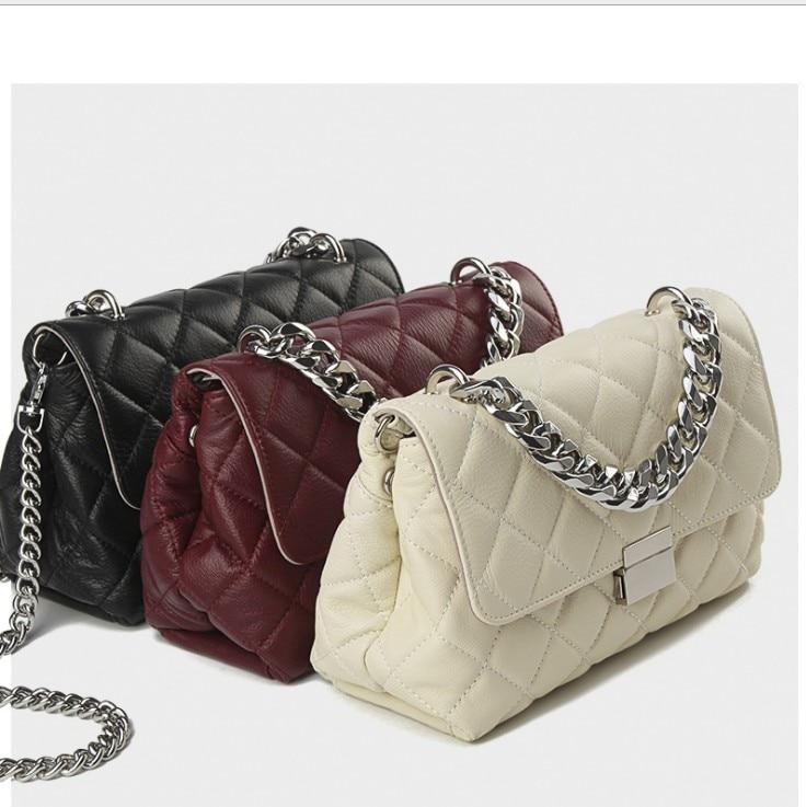 2019 Fashion Genuine leather messenger chain bags brand desinger rhombic women mini Tote Clutch bag winter