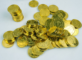 50pcs plastic Bitcoin BTC coin gold pirate treasure gold coins props toy for Halloween birthday party cosplay kids favors prizes pirate gold coins plastic set of 100 play gold treasure coins for play favor party supplies pirate party treasure hunt