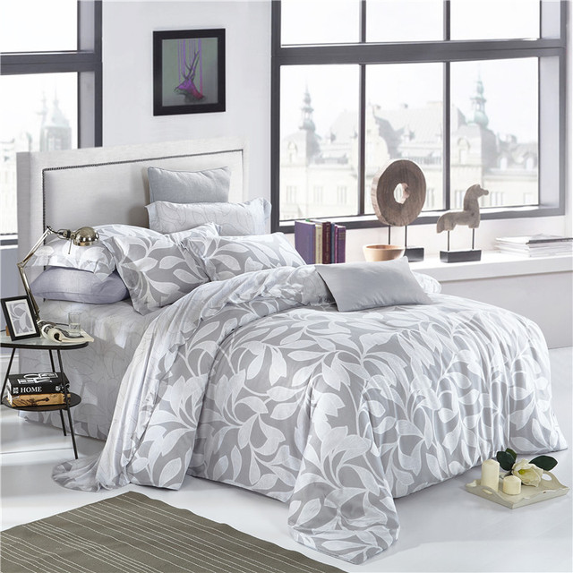 Elegant Floral And Leaves Print Bedding Set Queen King