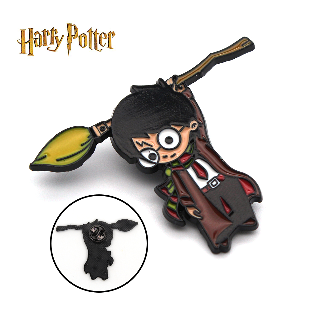 Harri פוטר Broomsticks Firebolt נימבוס 2000 סמל מתכת בעבודת יד תג סיכת פין חזה קישוט Cospaly אוסף מתנה מגניב