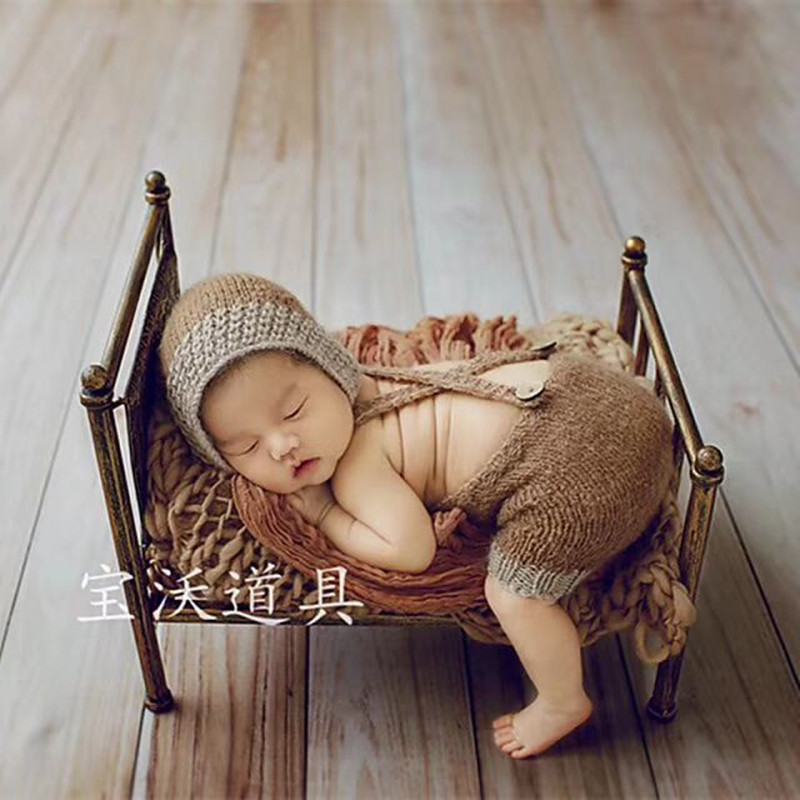 Newborn Bed Photo Props Infant Newborn Prop Bed Sturdy Antique Metal Posing Fabric Boys Shower Gift Baby Potography Props