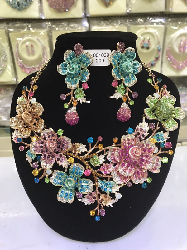 2017 Bridal Jewelry Sets Wedding Necklace Earring For Brides Party Accessories Big Flowers Rhinestone African Jewelry Sets WC037