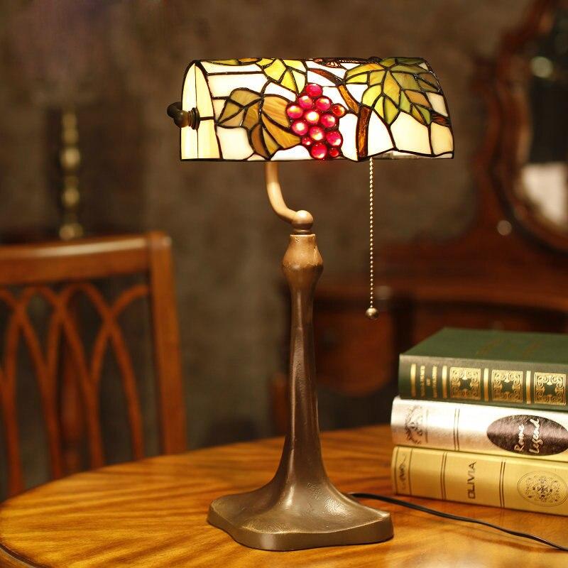 achetez en gros vitrail lampes en ligne des grossistes vitrail lampes chinois. Black Bedroom Furniture Sets. Home Design Ideas