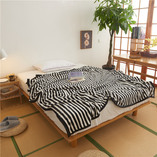 Simple Black And White Stripes Quilt Baby Adult Blankets Quilt Blankets  Throw On Sofa/Bed