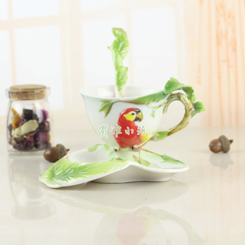 Hot Sale Parrot Coffee Cups With Saucer Tea Milk Cup Set with spoon Creative Ceramic Drinkware European Style Bone China Gifts