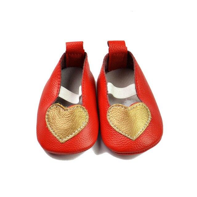 2016 Новый Красная Корова Кожа Сердце Мэри Джейн Детские Мокасины обувь Мягкой Подошвой Лук Девушки Балетная обувь детская Первый ходок обувь