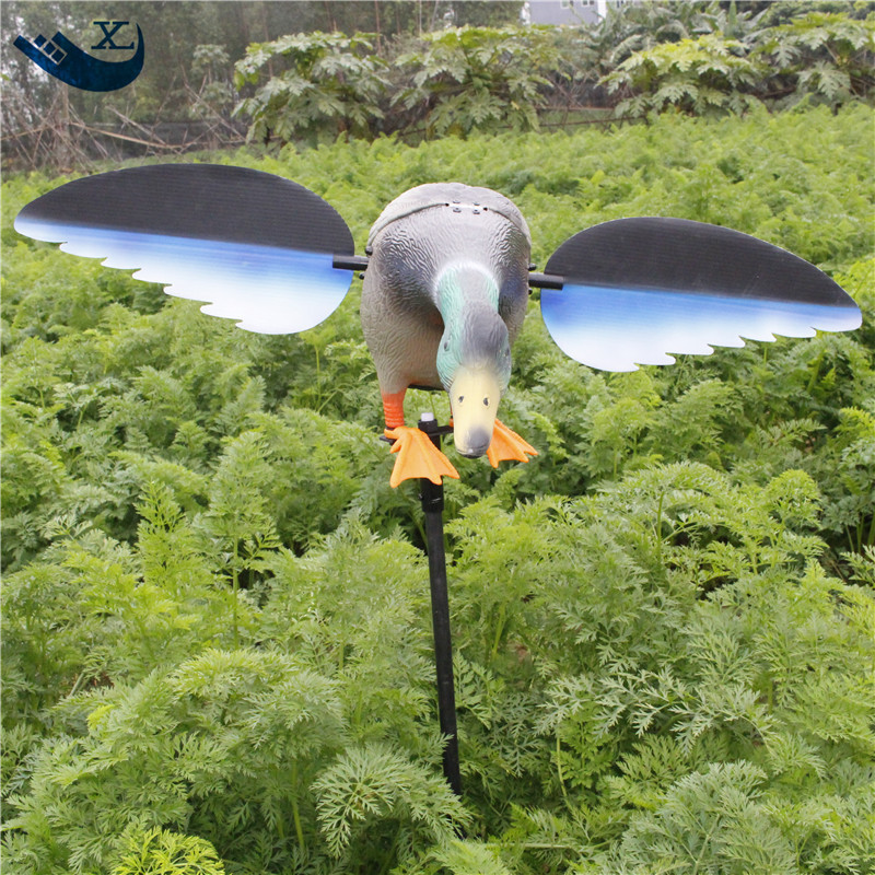 ФОТО Xilei Wholesale 6V 12V Remote Control Pe Mallard Decoy Hunting Products With Magnet Spinning Wings