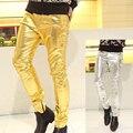 Nuevo desfile de moda de los hombres delgados pantalones de cuero Artificial y tela spandex 2 colores oro y plata masculina pantalones Rectos pantalones