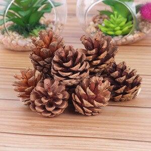 Image 2 - 10pcsธรรมชาติPine Conesอุปกรณ์Photo Propsคริสต์มาสตกแต่งต้นไม้Toppers Pinecone Xmasปีใหม่DIYตกแต่ง