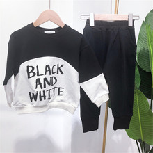 все цены на New 2019 Boys Girls Clothes Set for Spring Autumn Fashion Letter Print Stitching Sweatshirt+Long Pants Casual Two-Piece Suit онлайн