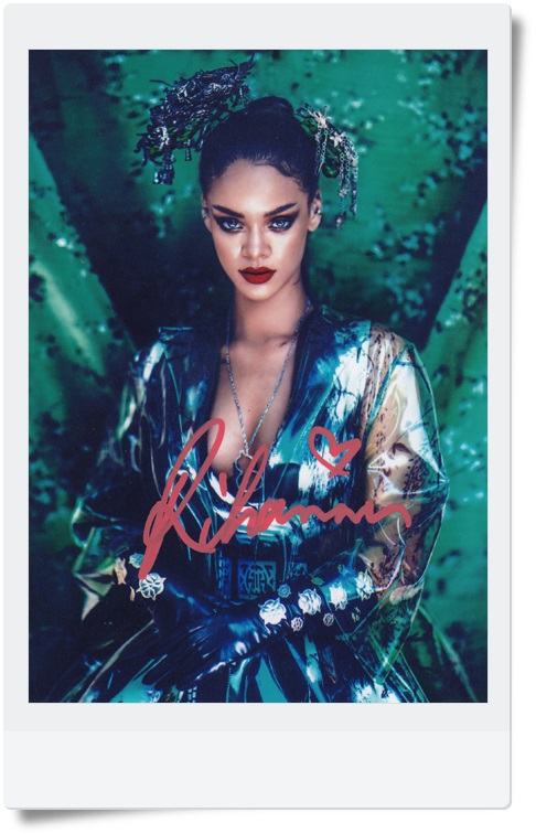 signed Rihanna autographed photo 7 inches free shipping 092017A rihanna collector