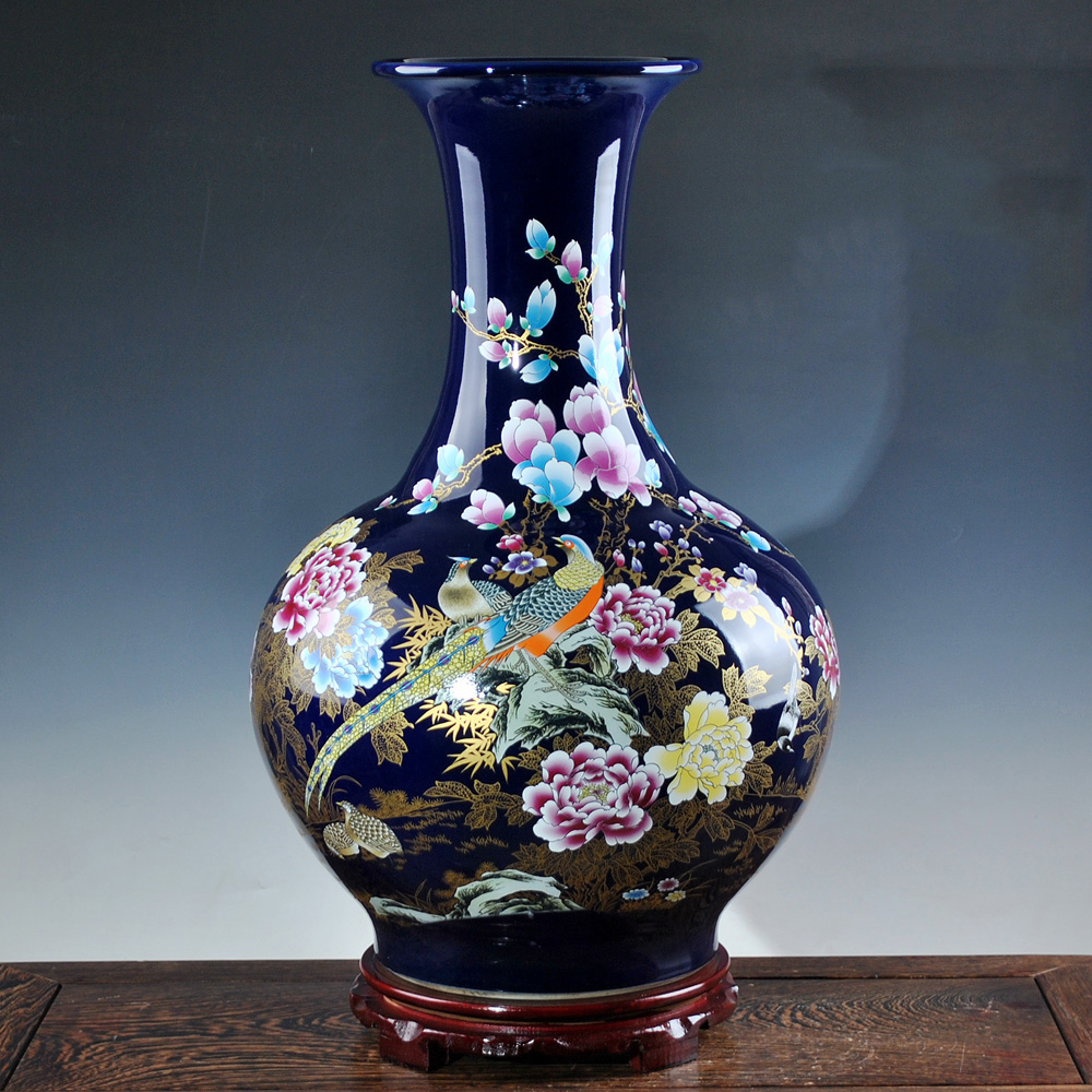 Luxury jingdezhen antique porcelain royalblue desgin vase for Decoration vase