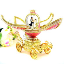Blossoming European royal wedding preferred music box egg Valentine's Day gifts of Christmas