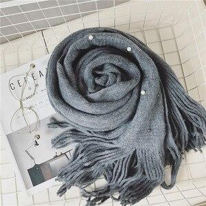 Image 3 - Luna & Dolphin bufanda de punto para mujer, pañuelo de invierno cálido, con perlas, cuentas de uñas, bufandas suaves, borla de lana, manta de Pashmina grande