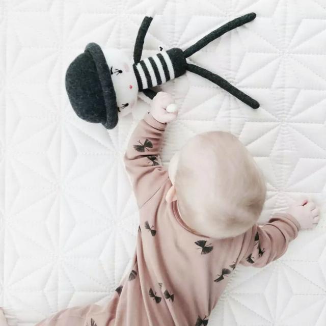 Cama de bebê Travesseiro mão knit dinamarca Sereia boneca Travesseiros Crianças Criança Room Decor almohada almofada juguete Presente de Natal Do Bebê