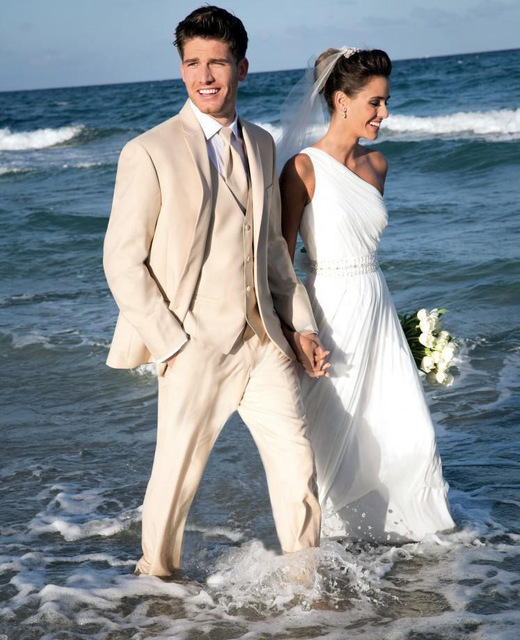 Mens Summer Beach Wedding Suits 2017 Elegant Champagne Business Men Casual Party Tuxedos 3 Piece Tuxedo