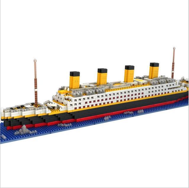 Large Yacht Club Cruise Building Blocks Sets Titanic Warships - Pirate ship cruise