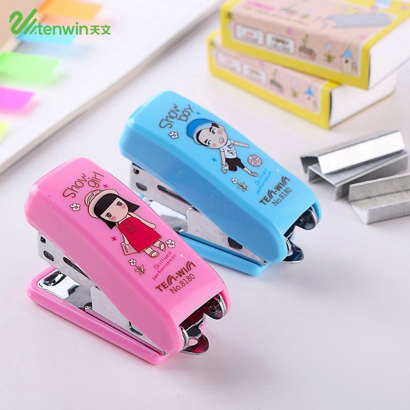 Cute Boys And Girls Paper Stapler Set With Staples Mini Kawaii Scrapbooking Staplers For Kids Gift Office School Supplies