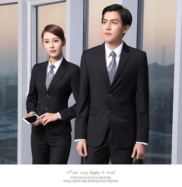 Os novos homens e mulheres com a nova primavera senhoras desgaste do negócio terno ternos de negócio são instalados black-dod356