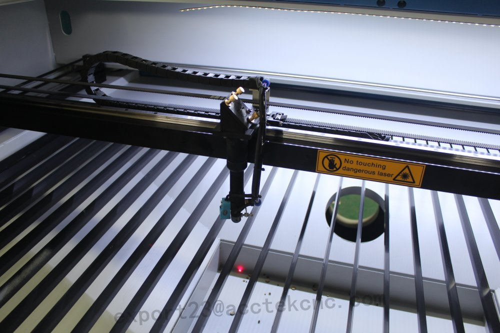 AKJ1610 Laser Cutting Machine For Fabric