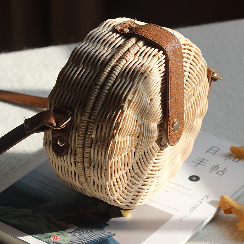 Round Rattan Bag Female Straw Beach Bag Holiday Bag Shoulder Diagonal Bag 2