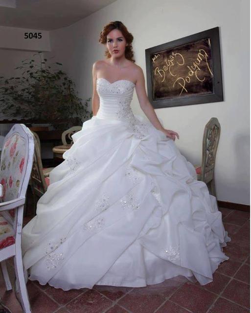 e7f0426034 Simple White Vestidos Novia estilo princesa Organza hinchado nueva llegada  hermosos Vestidos De Novia Vestidos De