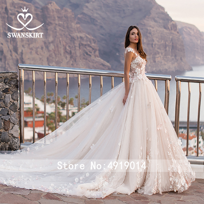 Image 5 - Swanskirt Flowers Ball Gown Wedding Dress 2019 Romantic Appliques backless Beaded Chapel Train Bridal Gown Robe de mariee OZ05-in Wedding Dresses from Weddings & Events