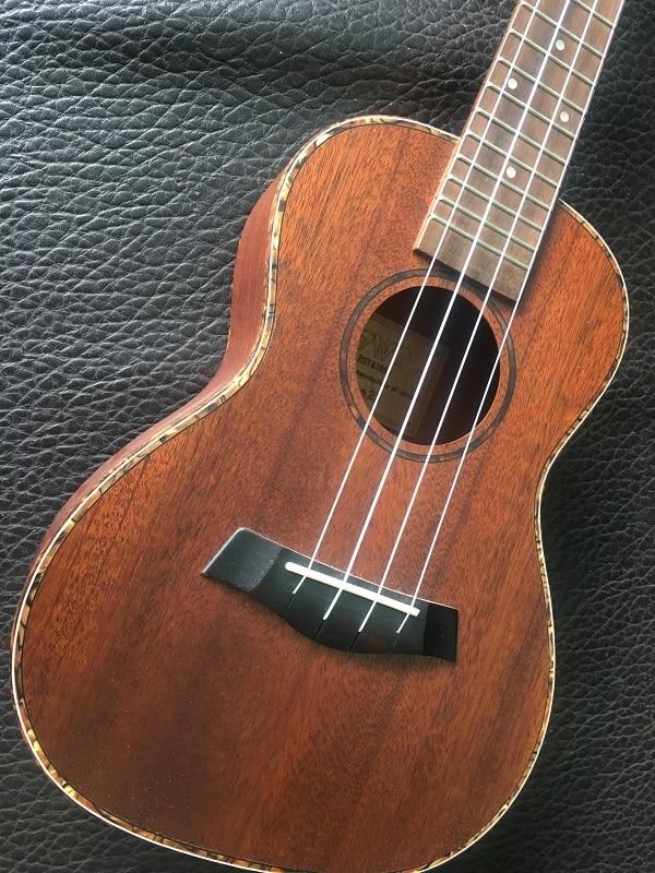 4 Aquila string bois massif hawaïen 23 pouces Concert guitare ukulélé Mini petite guitare Folk guitare Ukelele les vignes enfants/dame