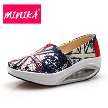 MINIKA 2017 Fashion Designer Superstar Slip on Women Canvas Shoes Мода Walking Air Cushion Женщины Shake Shoes Плоские туфли Женщины