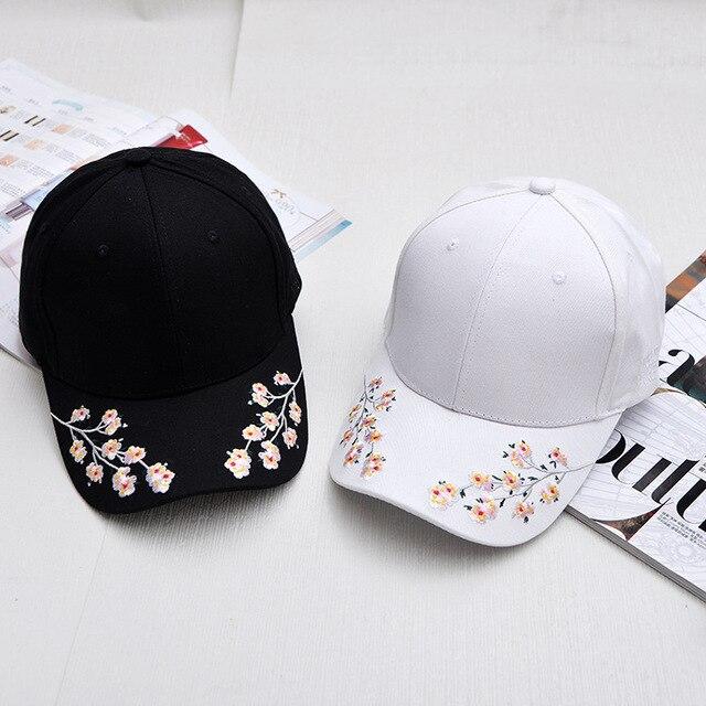 Gorras de béisbol de algodón para mujeres flor de ciruelo bordado Gorras  Planas Hip Hop Casual 1bbcad7b489