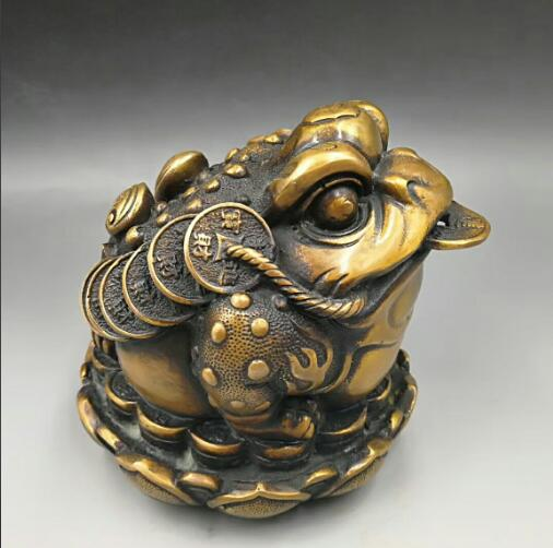 Chinese hand carved copper Zhaocai lotus lounge decoration decoration Feng Shui toadChinese hand carved copper Zhaocai lotus lounge decoration decoration Feng Shui toad