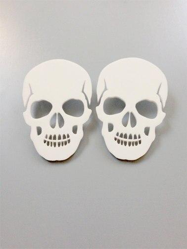 Акриловые серьги-пусеты в стиле панк-рок с черепом для мужчин и женщин, модные украшения, подарок на день Хэллоуина, серьги-скелеты, аксессуа...