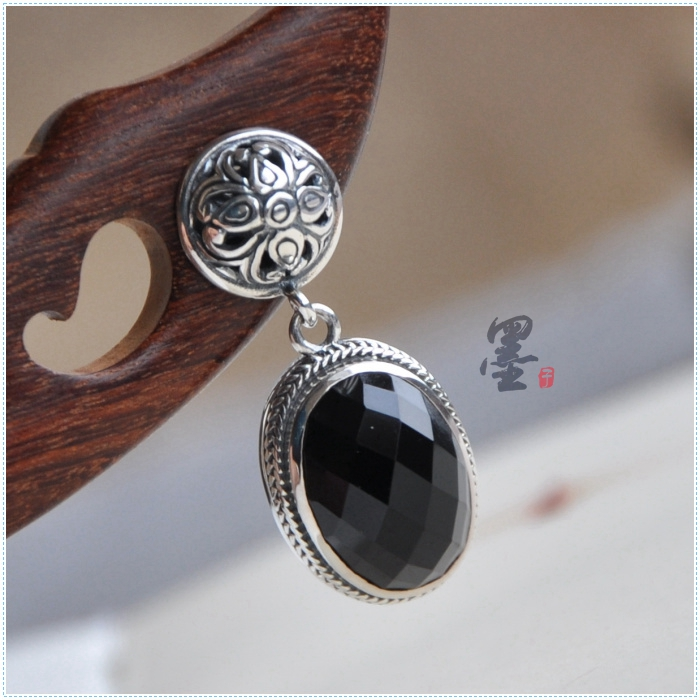 [sub] 925 Sterling Silver Silver Thailand Mohist silversmith manual Black Onyx retro classic Oval Earrings[sub] 925 Sterling Silver Silver Thailand Mohist silversmith manual Black Onyx retro classic Oval Earrings