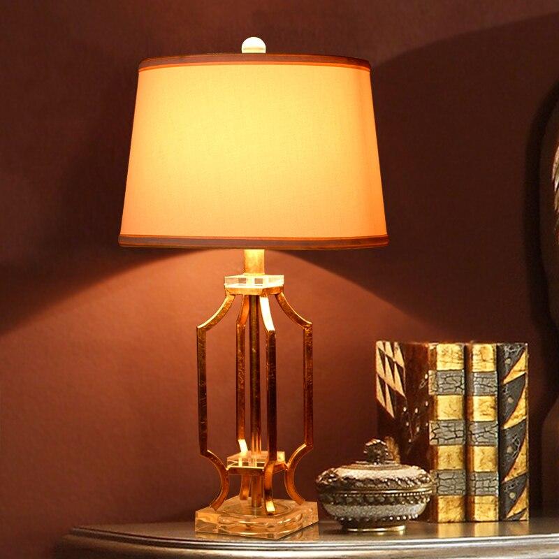 Роскошные Ретро цвета: золотистый, серебристый металл Настольная лампа Роскошные Спальня ночники Скульптура украшения из металла лампа ...