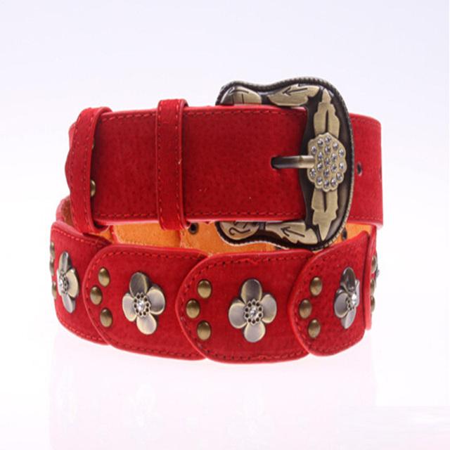 Axa 2016 Nueva Moda retro tallado de Cobre hebilla de cinturón de diamantes de Las Mujeres de piel de cerdo cinturones de Remache de la correa de empalme para las mujeres Himunu