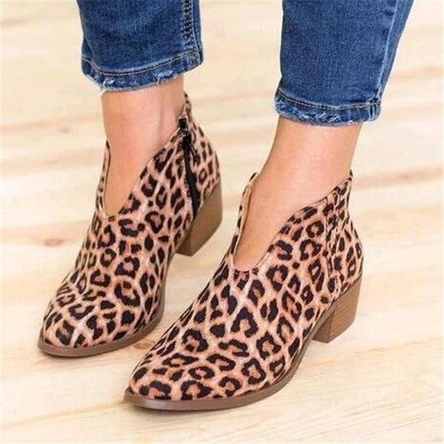 Zapatos de mujer 2019 estampado de leopardo Sexy botas de tobillo puntiagudas Slip on Deep V tacón alto señora vestido de fiesta zapatos