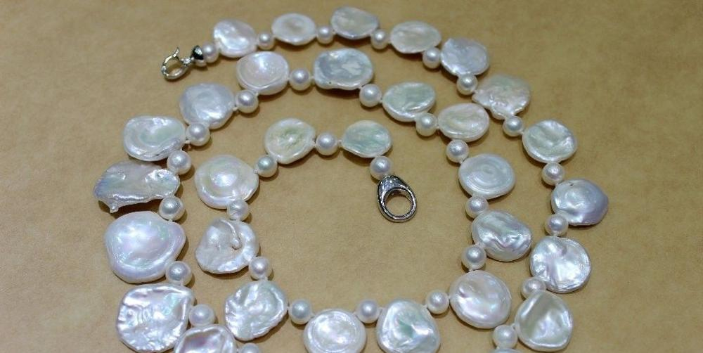 Beautiful Freshwater pearl necklace Petals white Unique 28 INCH a(5.18)