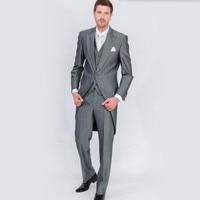 Traje de moda Masculina Perfecta Trajes Alcanzó Solapa un Botón Gris frac Del Padrino de Boda hombres Suits (Jacket + Pants + chaleco)