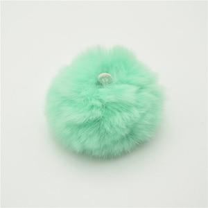 Image 3 - 25 قطعة 5 سنتيمتر لينة جدا ريكس الأرنب منفوش الفراء الكرة شدات ل حلق الحلي أفخم الكرة دبوس الشعر غطاء الرأس