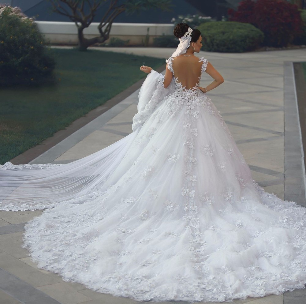 Image 3 - Vestido de noiva princesa luxo Backless Sweetheart Lace Wedding Dress See Through Royal Tail Luxury Bridal Dress Robe de mariee-in Wedding Dresses from Weddings & Events