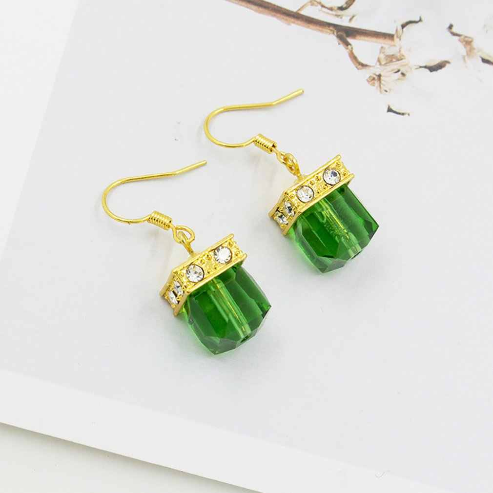 สีเขียวจี้ต่างหูเจ้าหญิงตัด Emerald Dangle Hoop ต่างหูแฟชั่นเครื่องประดับวันเกิดของขวัญ