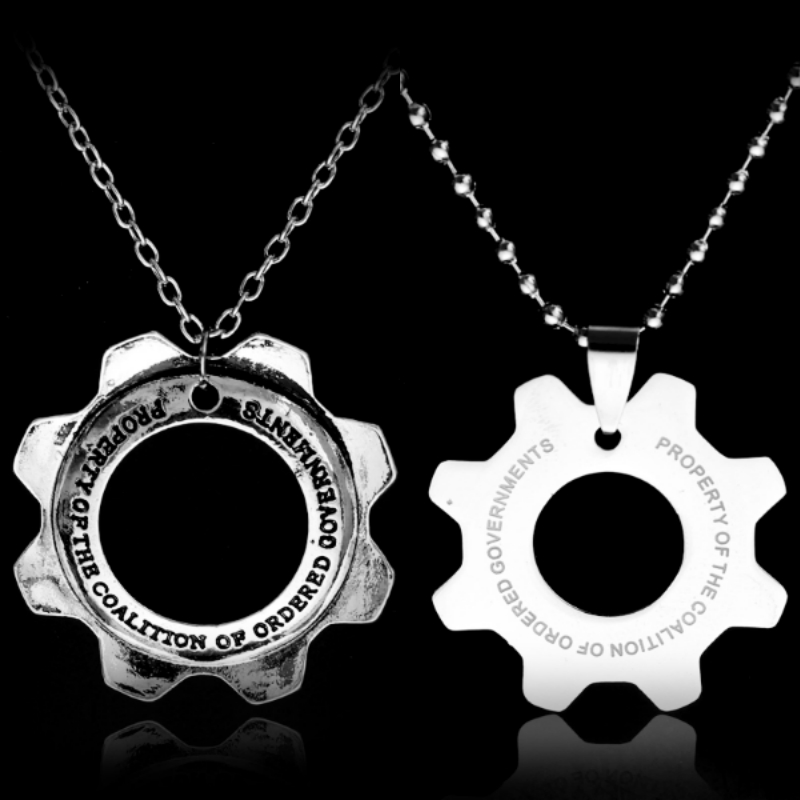 Gears of War 3 Distressed Metal Replica Cog Tags Necklace