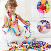65 pz/252 pz Perline Colorate Ragazze DIY Giocattolo Di Puzzle Giocattoli Collana Monili Che Fanno Kit Handmade Perline Stringa Set giocattoli per I Bambini