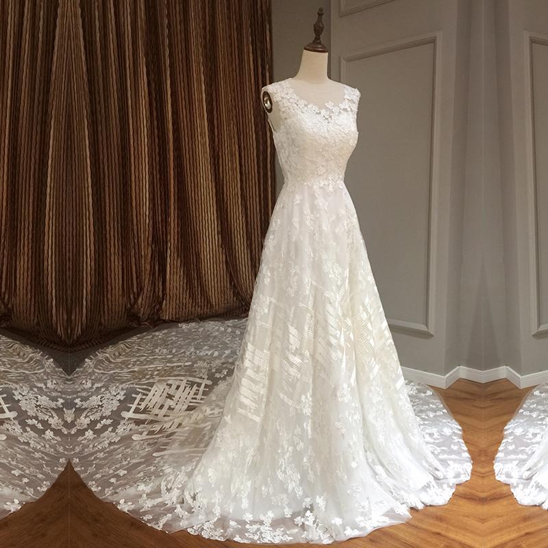 Simple Wedding Gowns 2017: 2017 Simple Wedding Dresses Lace Sleeveless Long Train