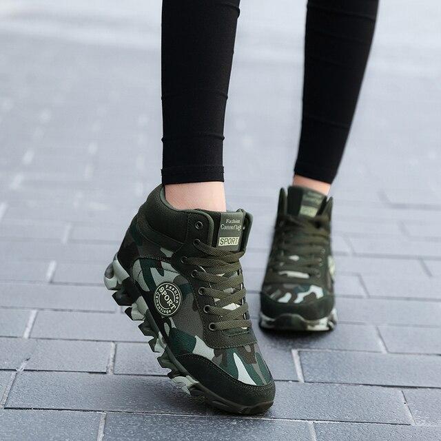 dbada4673 Большой размер 35–42 модные женские туфли камуфляжные кроссовки скрытый  каблук Повседневная парусиновая обувь на платформе Кроссовки Женск