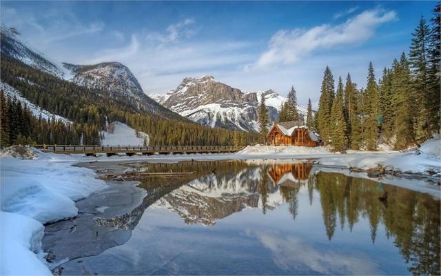 paysage lac cabine hiver montagne neige r flexion for t. Black Bedroom Furniture Sets. Home Design Ideas