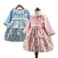 Niño Nuevo Vestido de Las Muchachas 2017 Niños Del Resorte Del Traje para Los Niños Vestidos de Ropa de Rosa Azul Carácter Princesa Vestido Floral de Bohemia