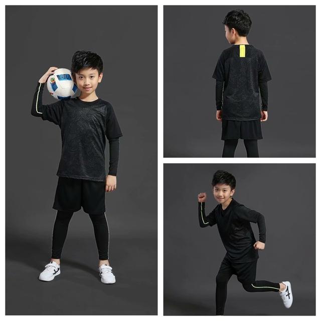 Free Football Socks Children Kids Soccer Jerseys Set Survetement Football Kit Futbol Youth Boy Sports Tracksuit Uniforms Suit