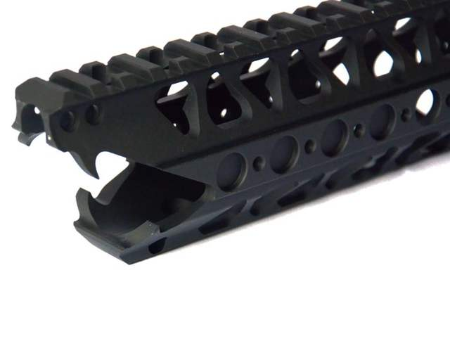 Free Float Rail System Aluminum One Top Picatinny Handguard with Barrel Nut  & Bungee For LVOA-CM4 AEG or GBB Black Tan 2 colors